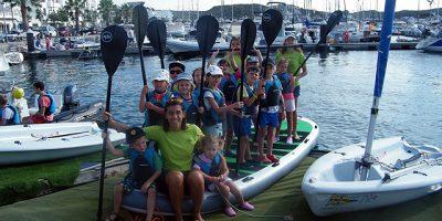 Paddle Surf-Escuela de verano del Club Marítimo de Mahón