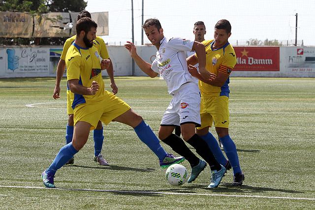 Futbol 3ª 16-17 Peña Deportiva-Mercadal (Foto Juan A Riera)