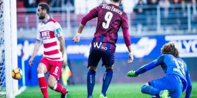 Sergi Enrich celebrando un gol ante Granada