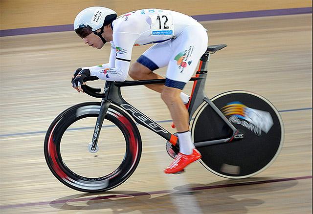 Albert Torres compitiendo Nacional ciclismo en pista
