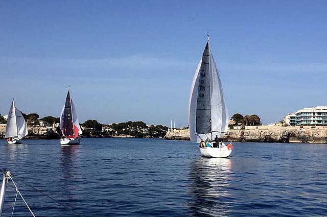 CREUERS-Chica Checa regata Fornells-Ciutadella