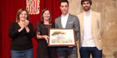 Albert Torres-Reconocimiento Gover Balear por la medalla de plata campeonato del mundo