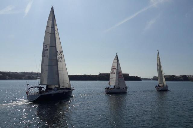 vuelta Menorca Cruceros