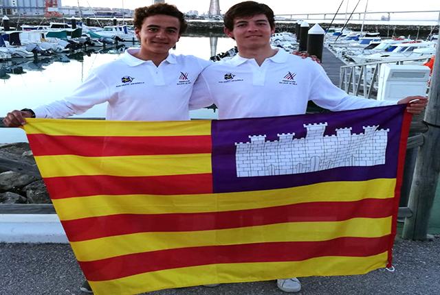 Jordi Torres y David Ponsetí CN Ciutadella-Copa de España Láser 4.7 de Cádiz