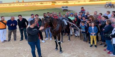 Trebol-record mundial en el hipodromo de Mahón