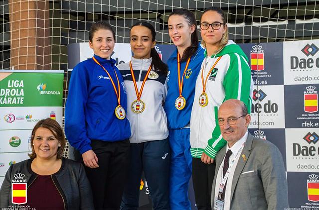 Cristina Pons des Físics sub-campiona d'Espanya de karate