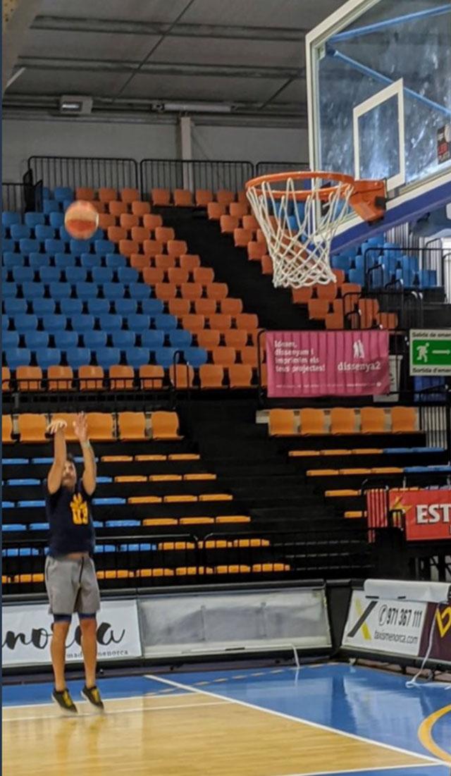 Jordi Villacampa entranant a Bintaufa