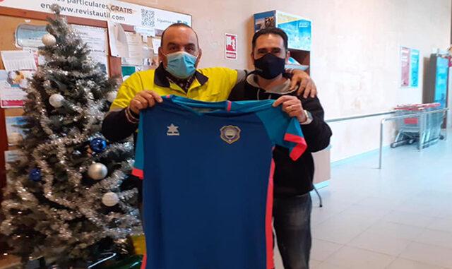Reconocimiento del Sporting de Mahón a Ismael Olives
