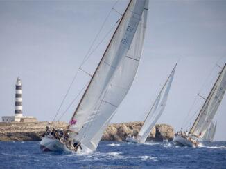 La flota se dirige a la Isla del Aire en la segunda jornada de la XVII Copa del Rey de Barcos de Época