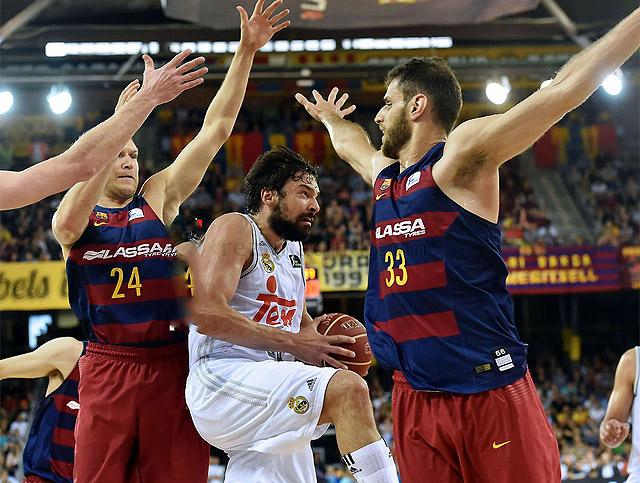 Llull ante el Barça (2o partido de la final 2016)1